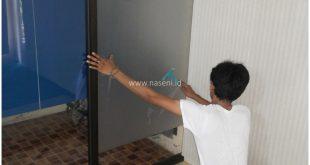 Pemasangan Stiker Kaca sandblast Banda Aceh